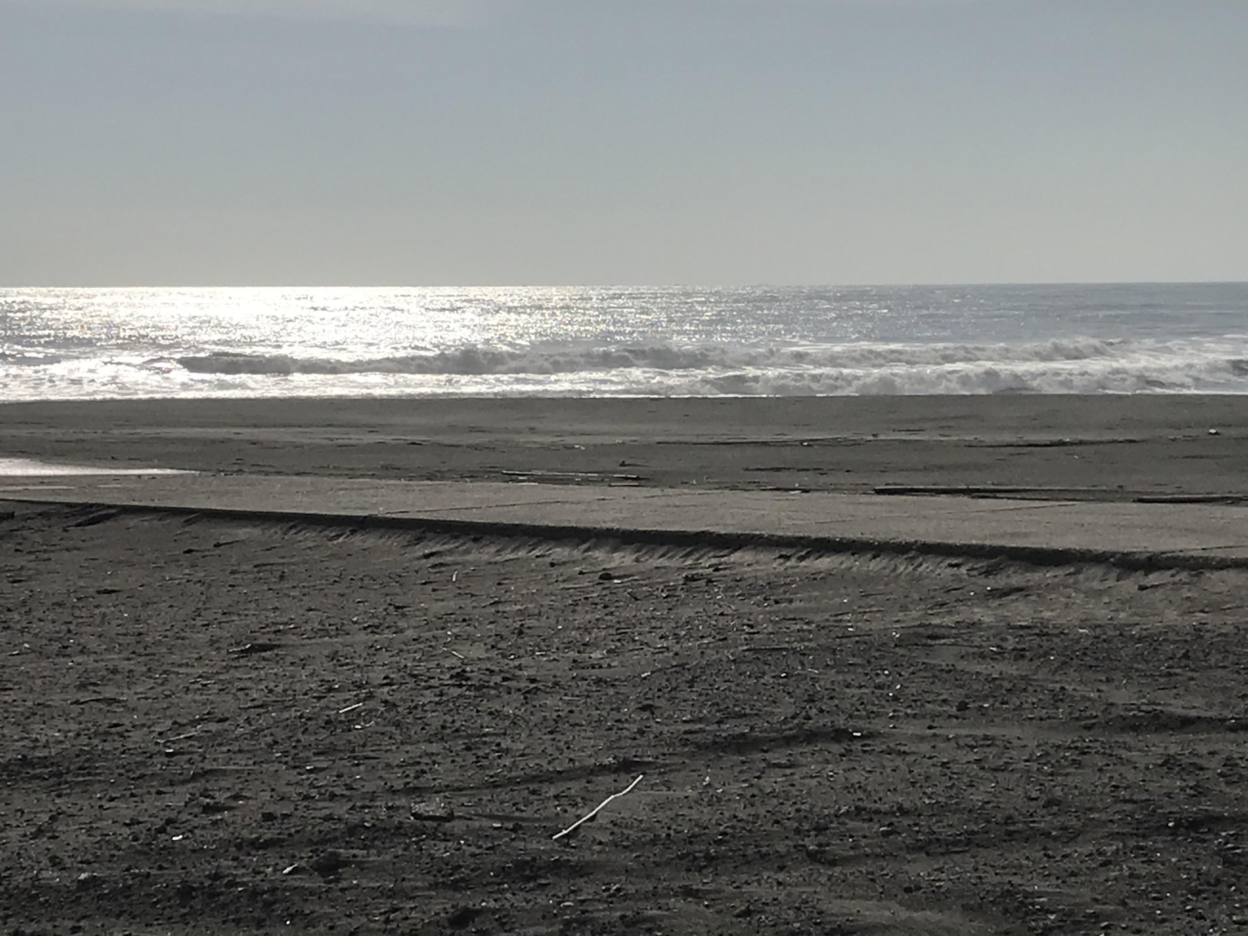 波が大きくても出る場所が分かれば…】 | 湘南サーフィンスクール ...